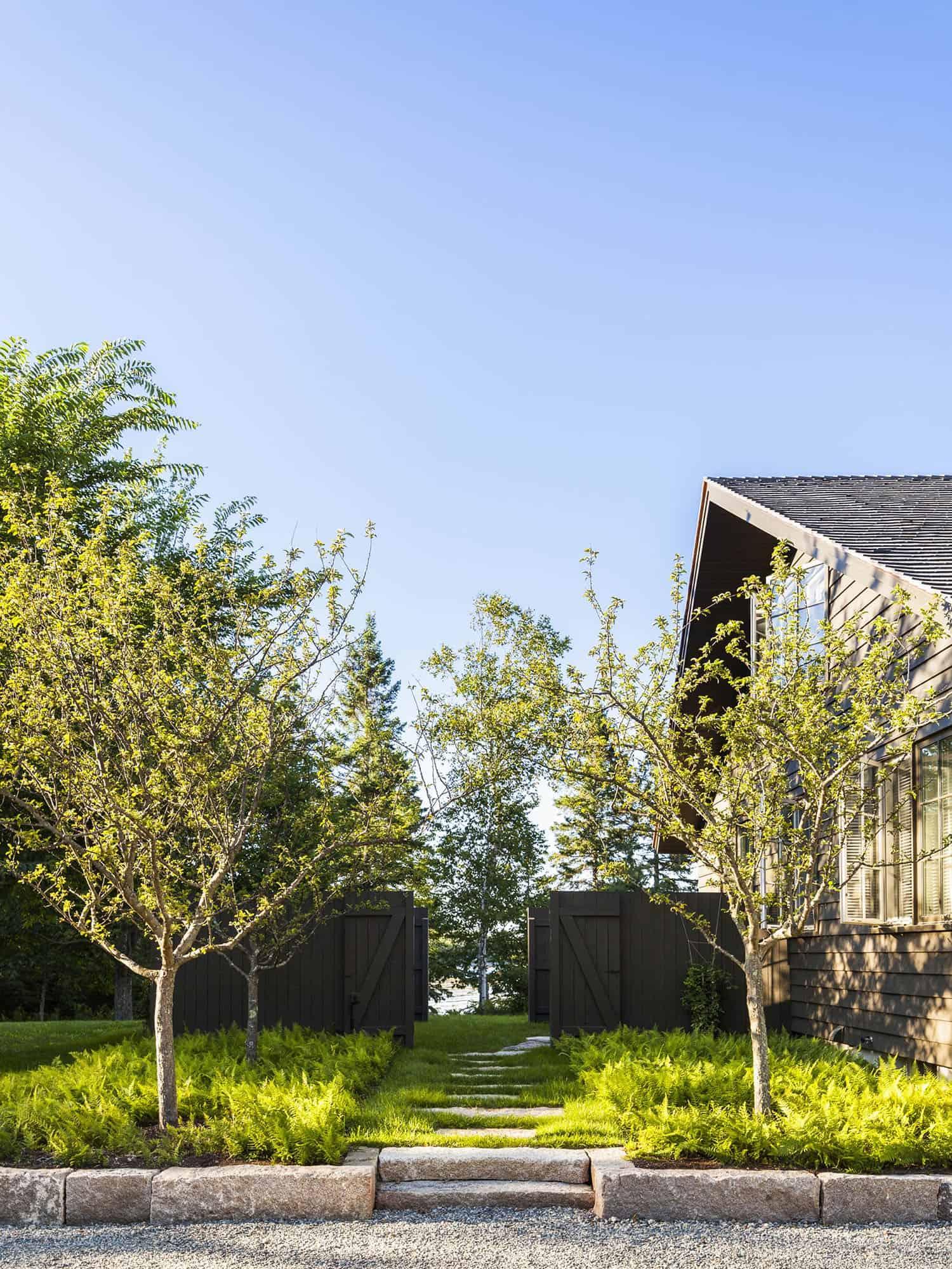 modern-seaside-home-exterior