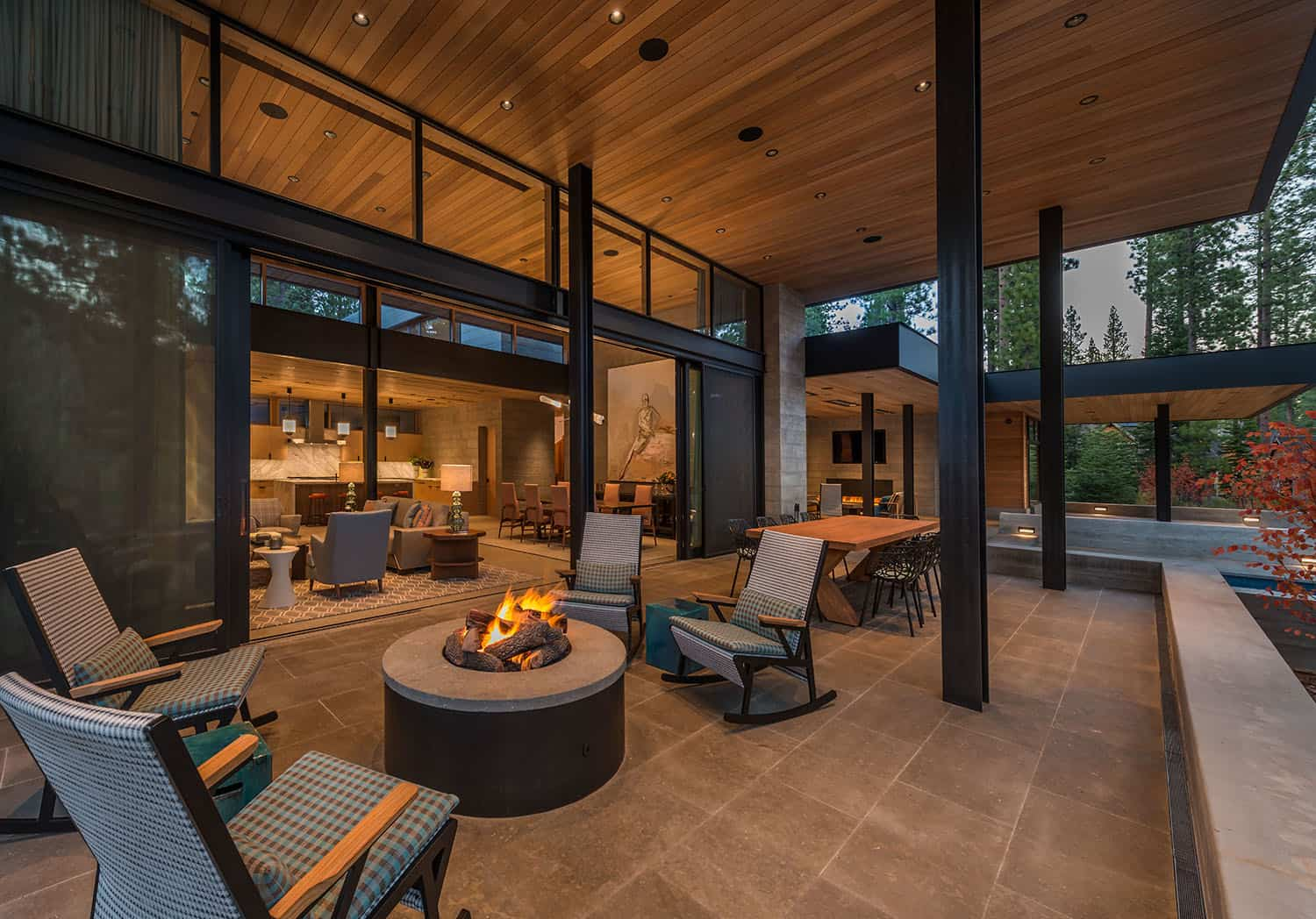 mountain-modern-retreat-patio