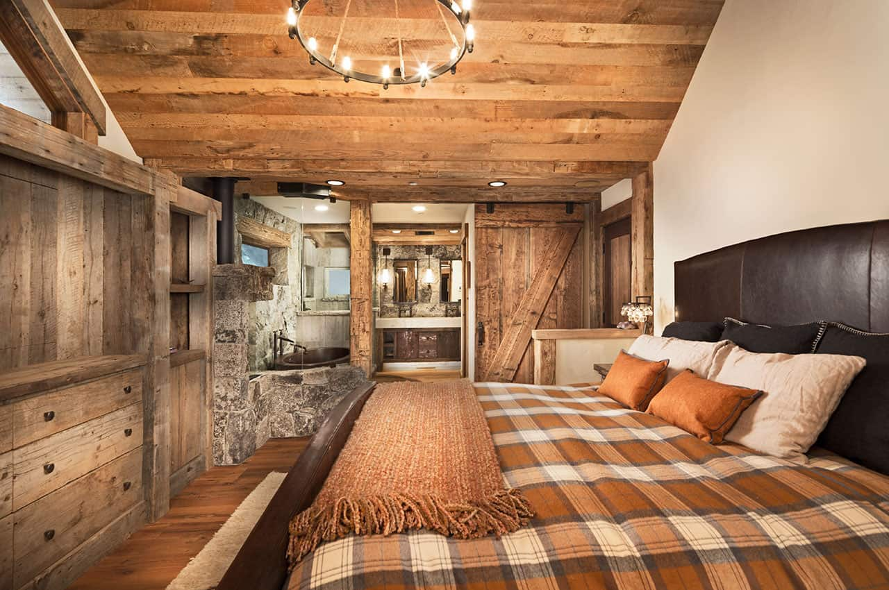 mountain-rustic-family-lodge-bedroom
