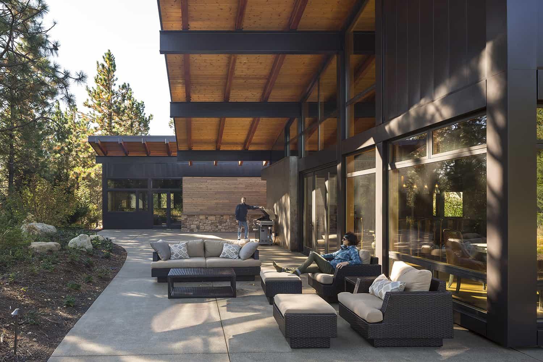 mountain-view-cabin-contemporary-patio