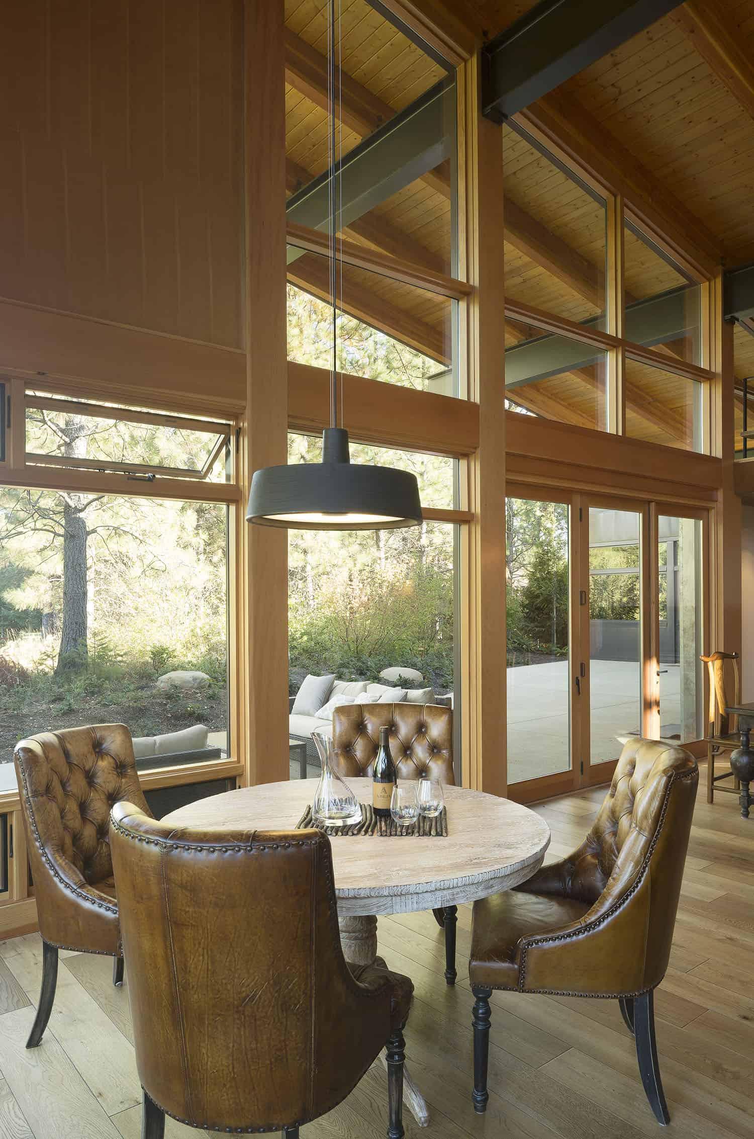 net-zero-cabin-contemporary-dining-room