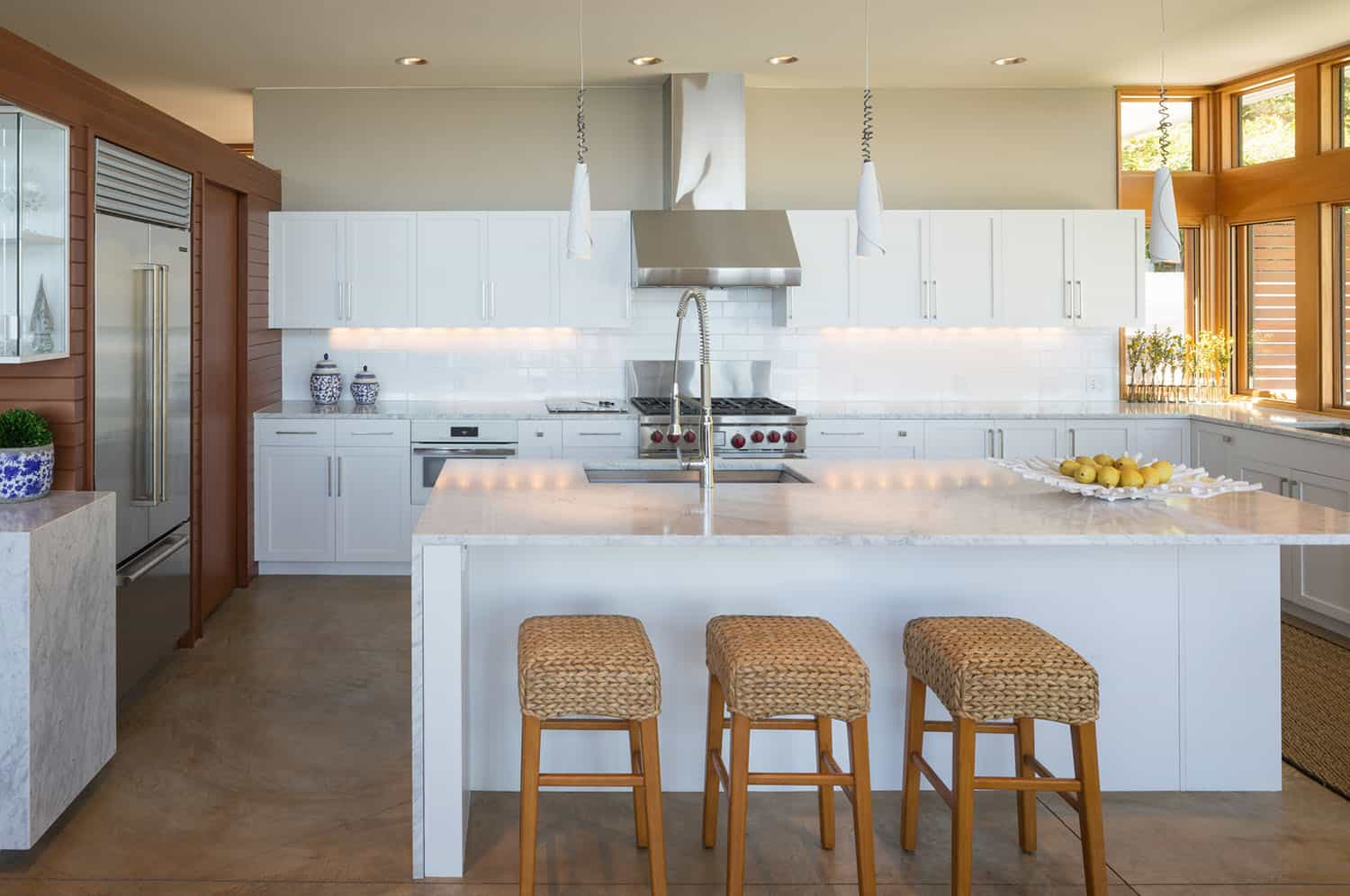 shoreline-house-contemporary-kitchen