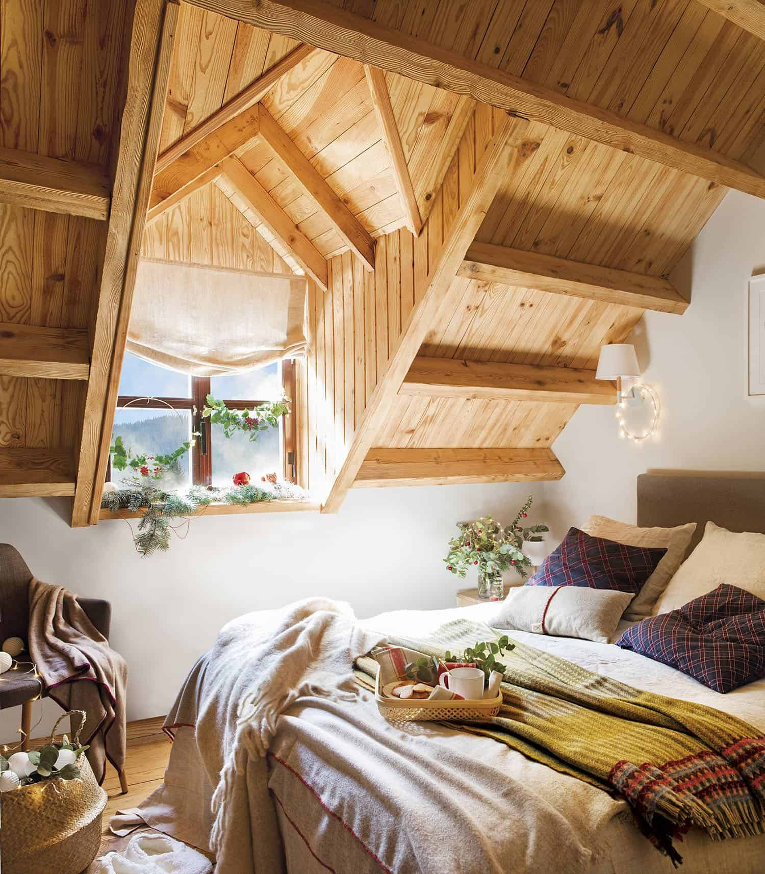 rustic-cabin-bedroom-christmas-decorations
