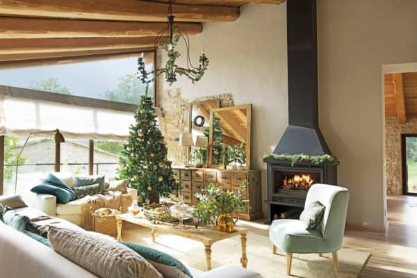 featured posts image for A very rustic Christmas in an old Spanish country house