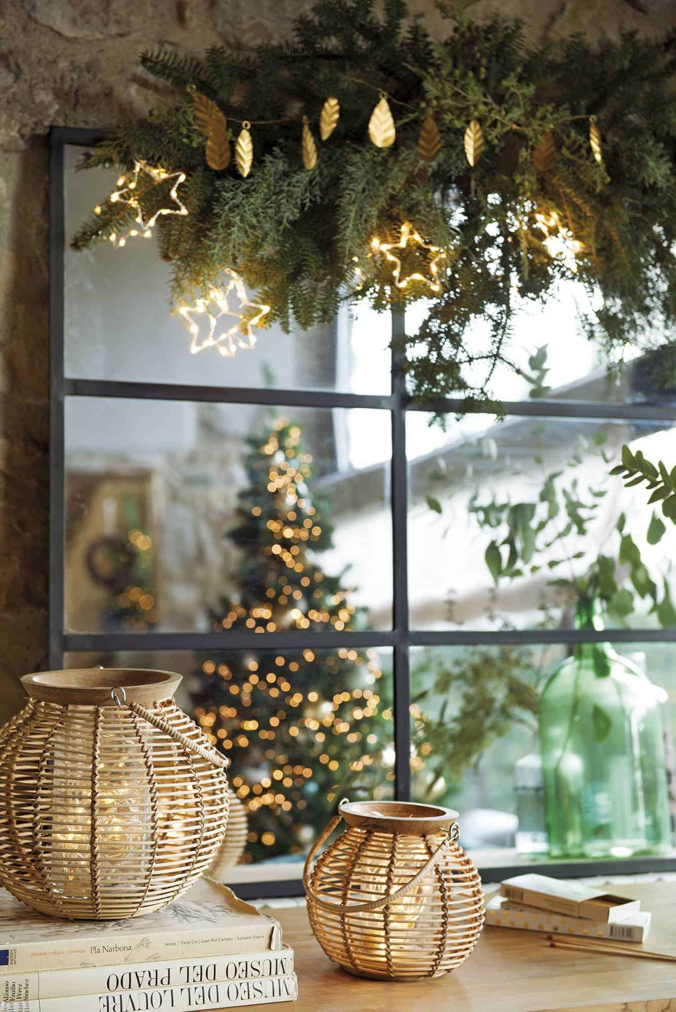 spanish-country-house-living-room-with-christmas-decorations