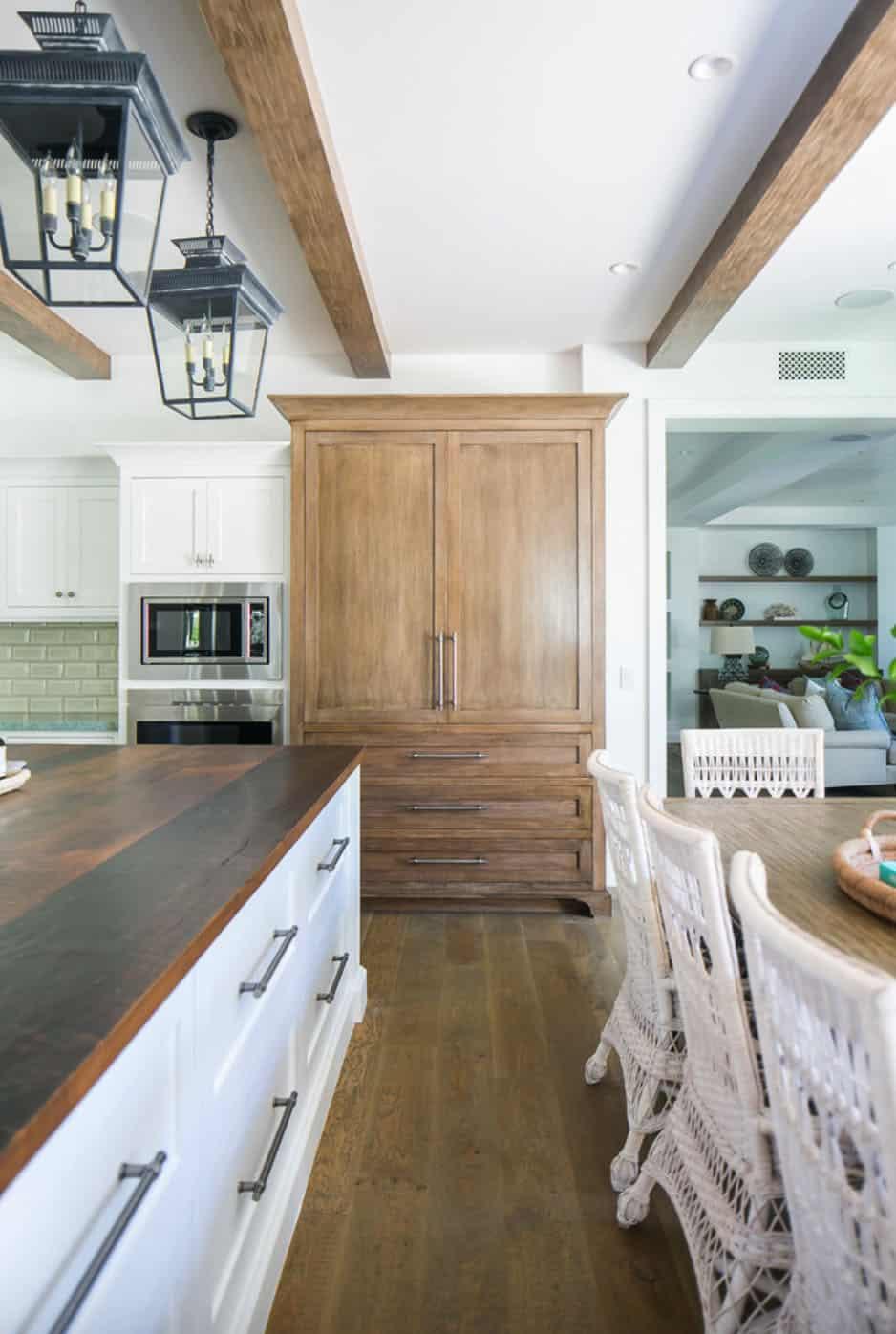 tropical-beach-style-kitchen
