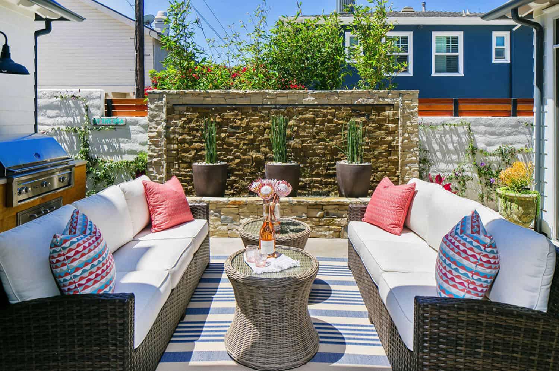 tropical-beach-style-outdoor-patio