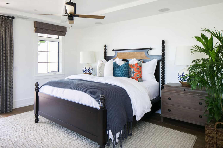 tropical-beach-style-bedroom