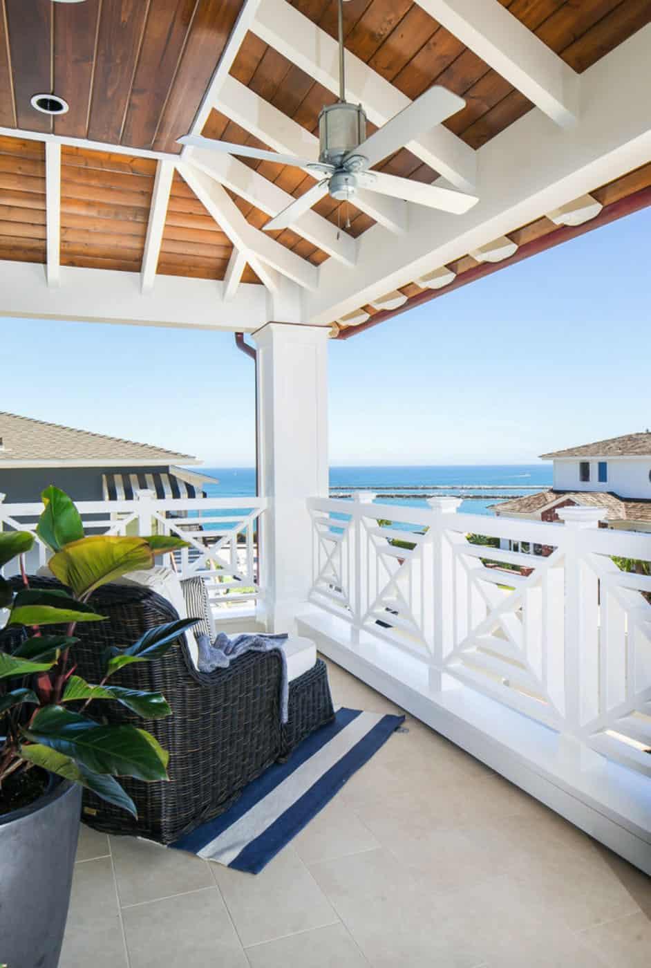 tropical-beach-style-balcony