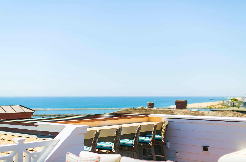 tropical-beach-style-outdoor-deck
