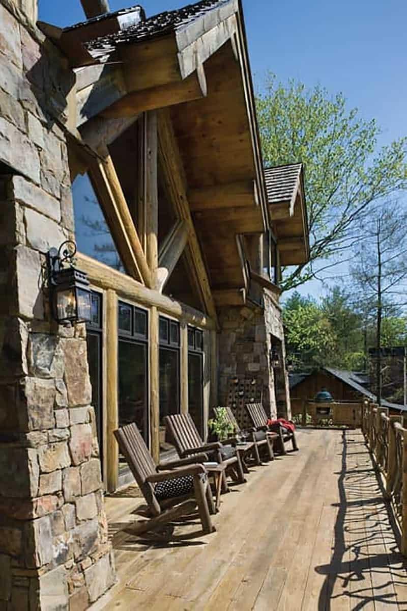 handcrafted-log-cabin-deck