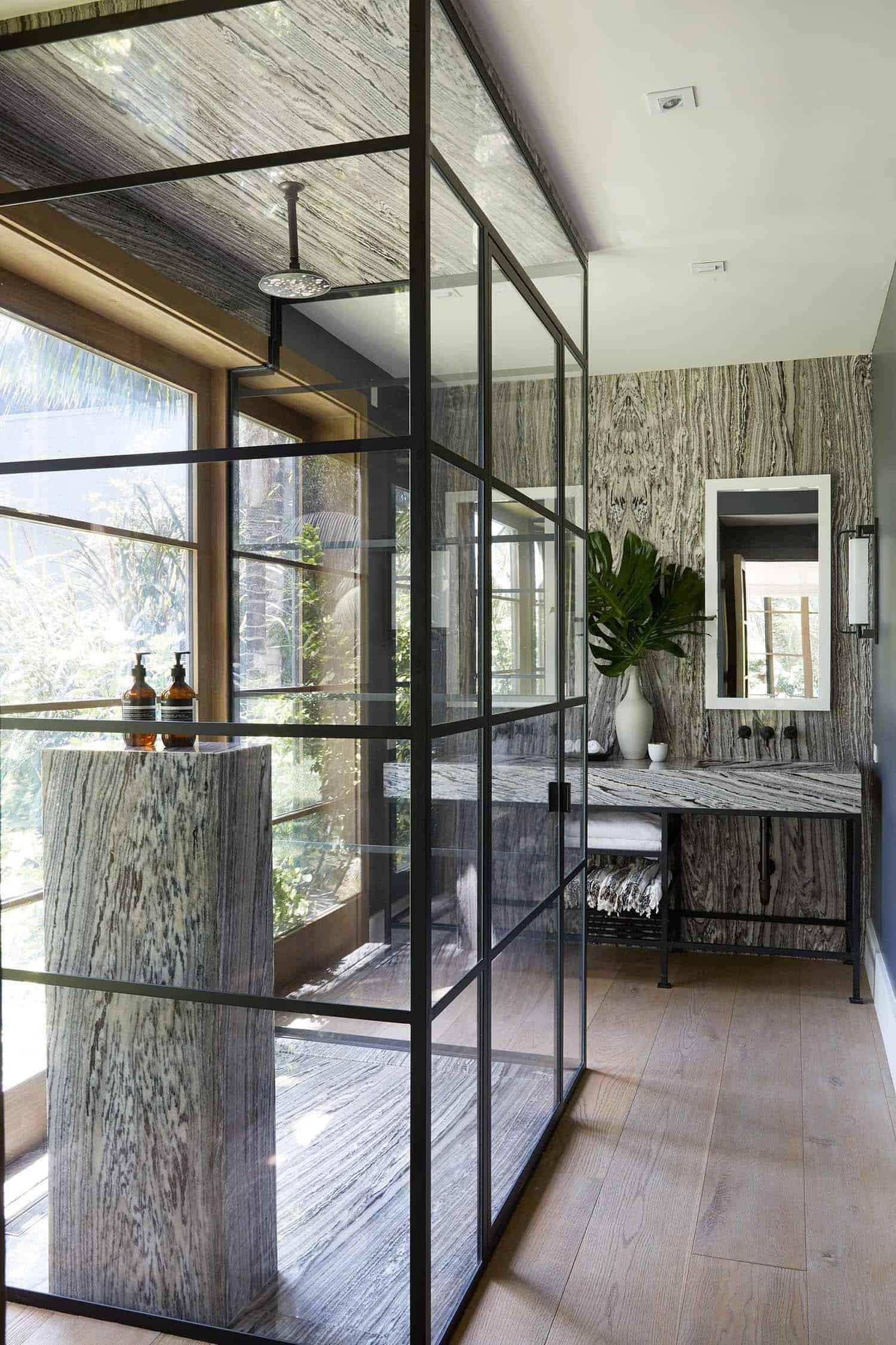 balinese-inspired-bathroom