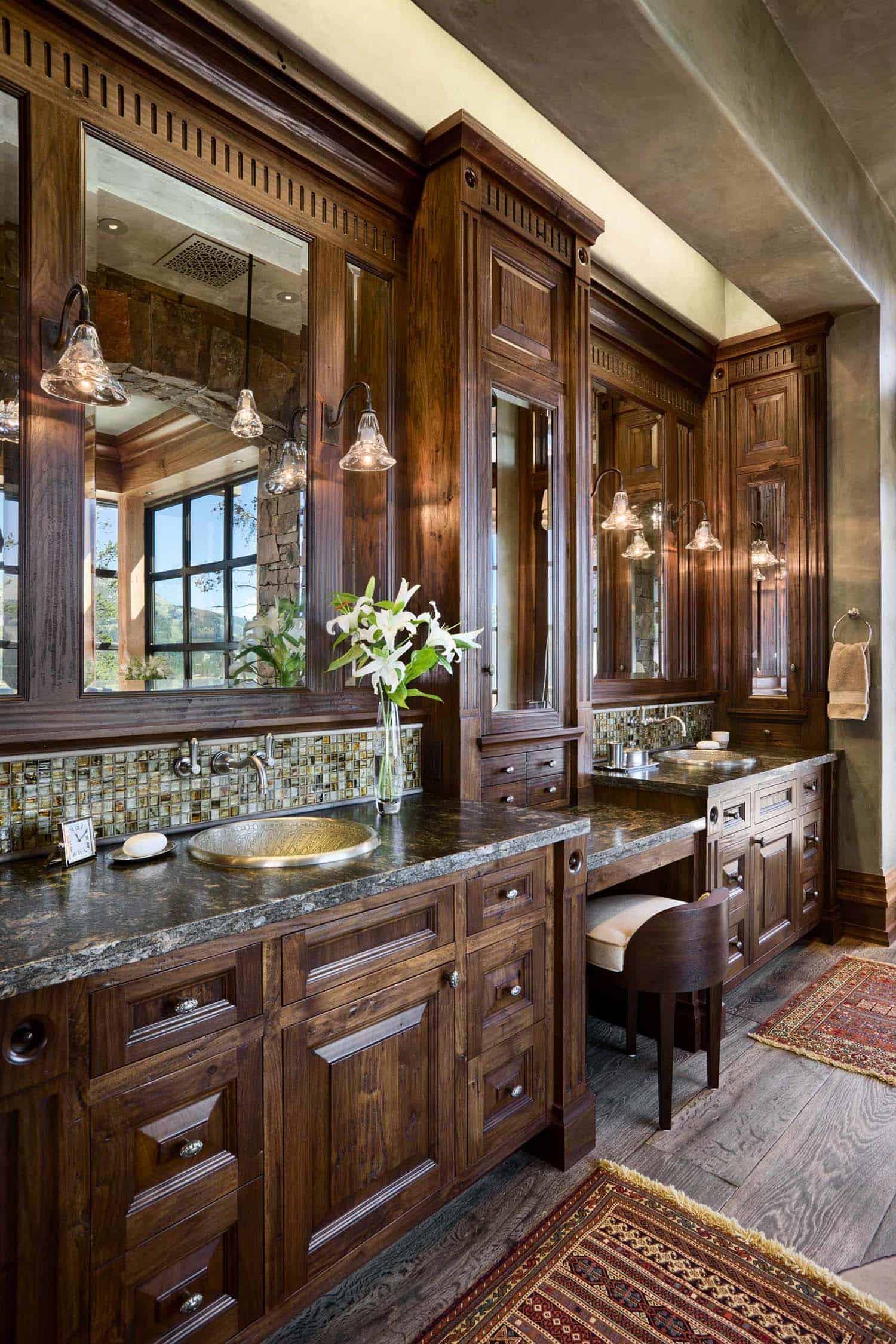 rustic-mountain-home-bathroom