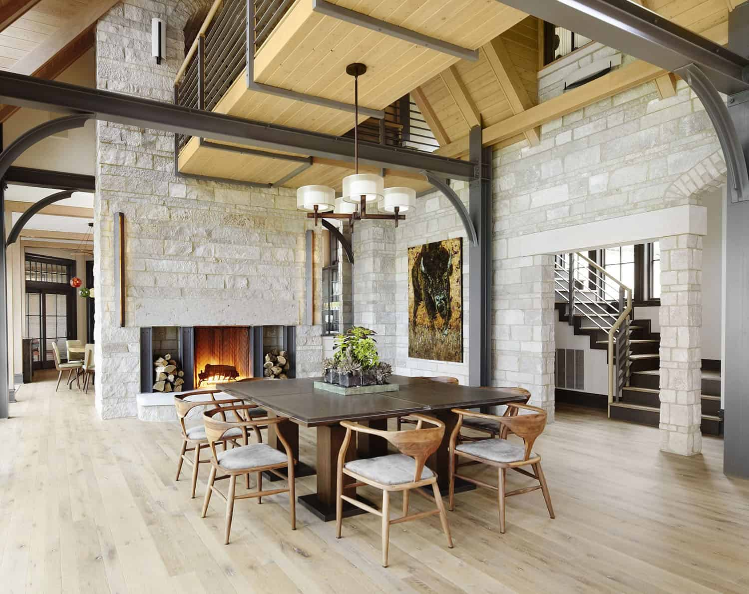 contemporary-lake-house-retreat-dining-room