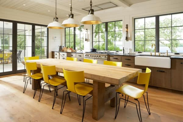 featured posts image for Gorgeous lakeside retreat in the Midwest gets inspiring renovation