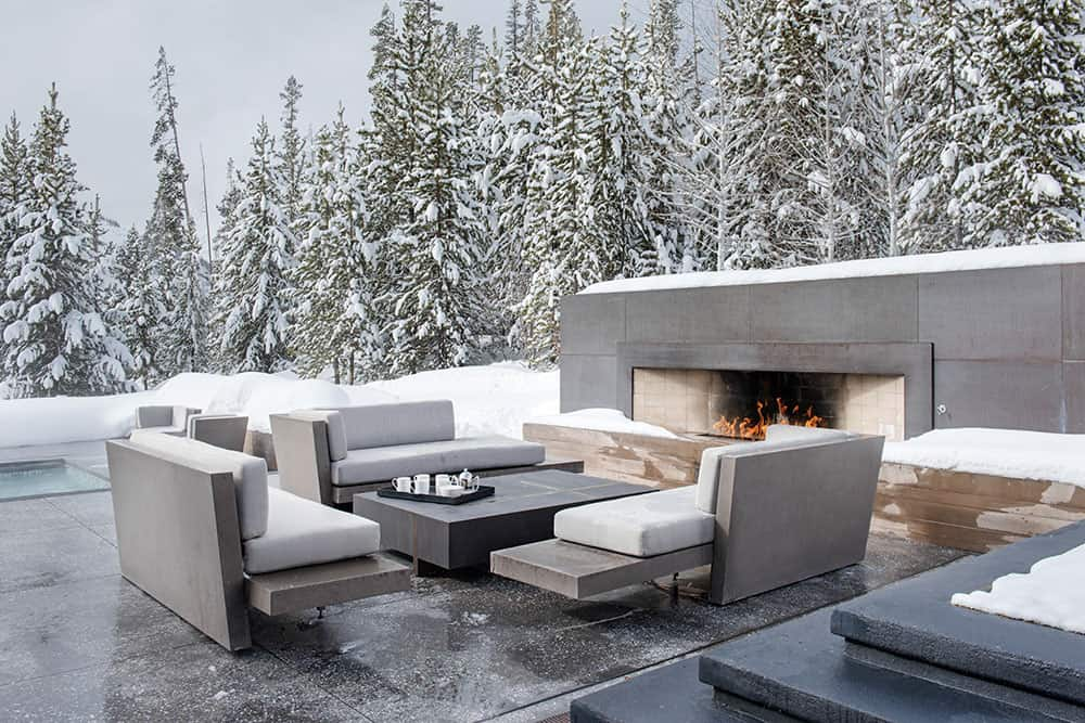 contemporary-mountain-house-patio