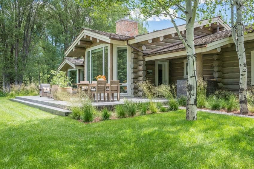 rustic-log-house-exterior