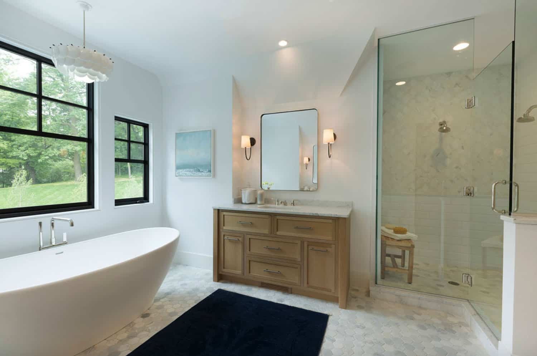 lake-house-master-bathroom