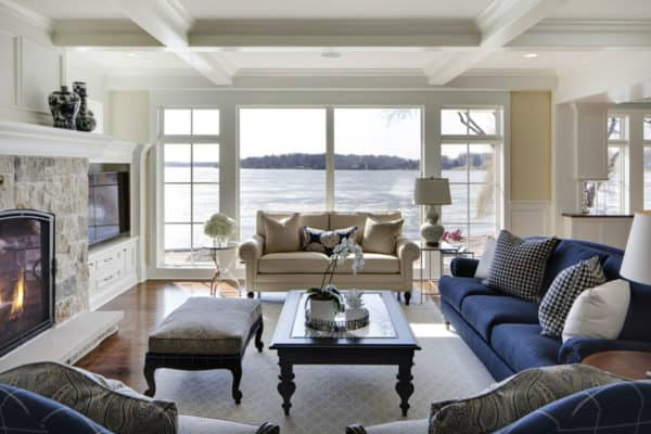 featured posts image for Beautiful and inviting cottage style home overlooking Lake Minnetonka