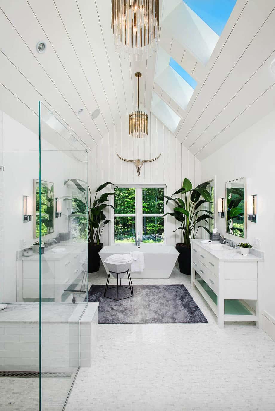 country-modern-farmhouse-bathroom