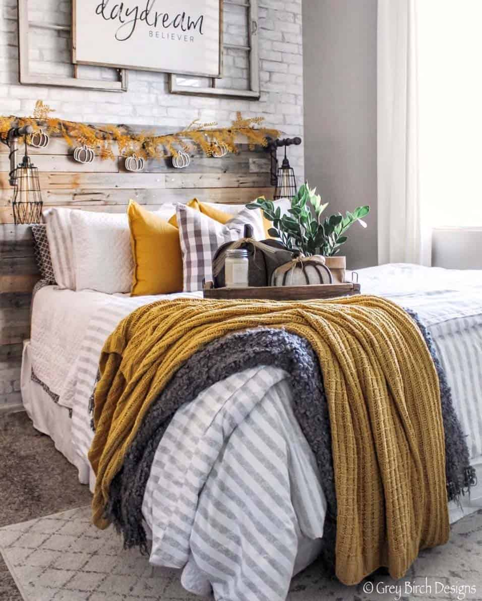 cozy-farmhouse-fall-decorated-bedroom