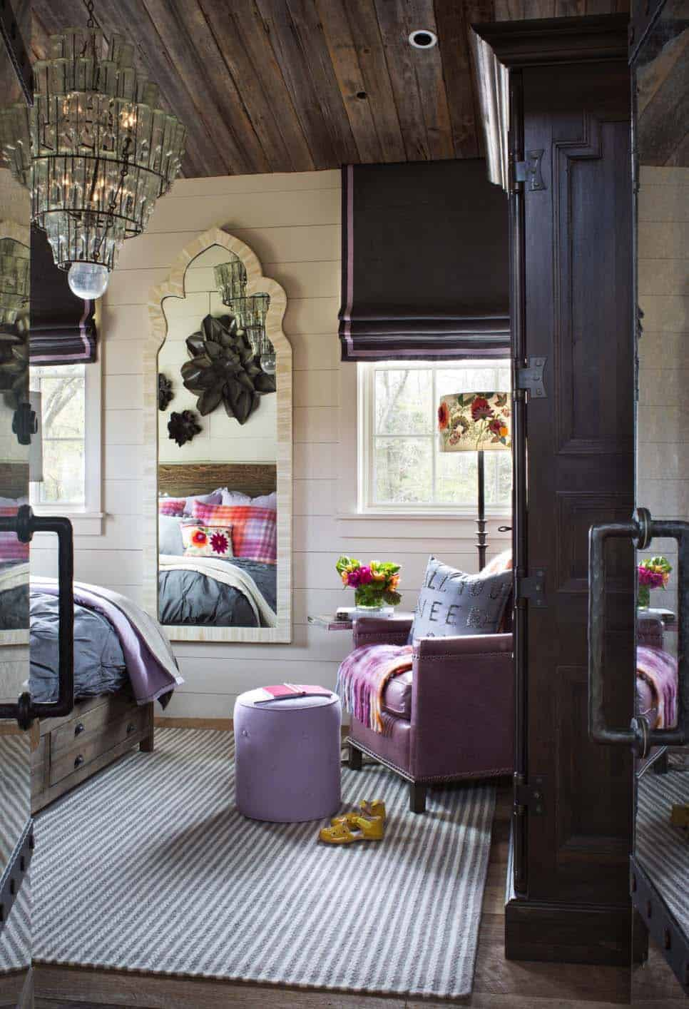 entertainment-barn-farmhouse-bedroom