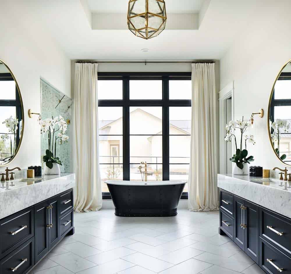 french-country-style-bathroom