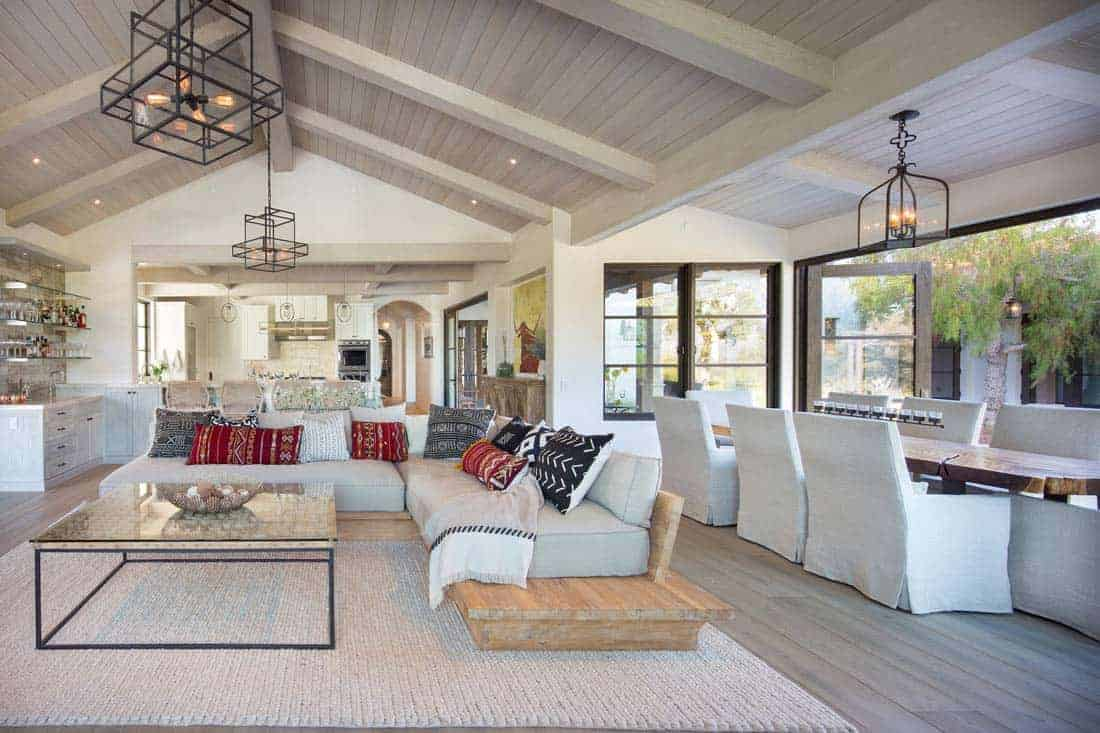 hacienda-style-living-room