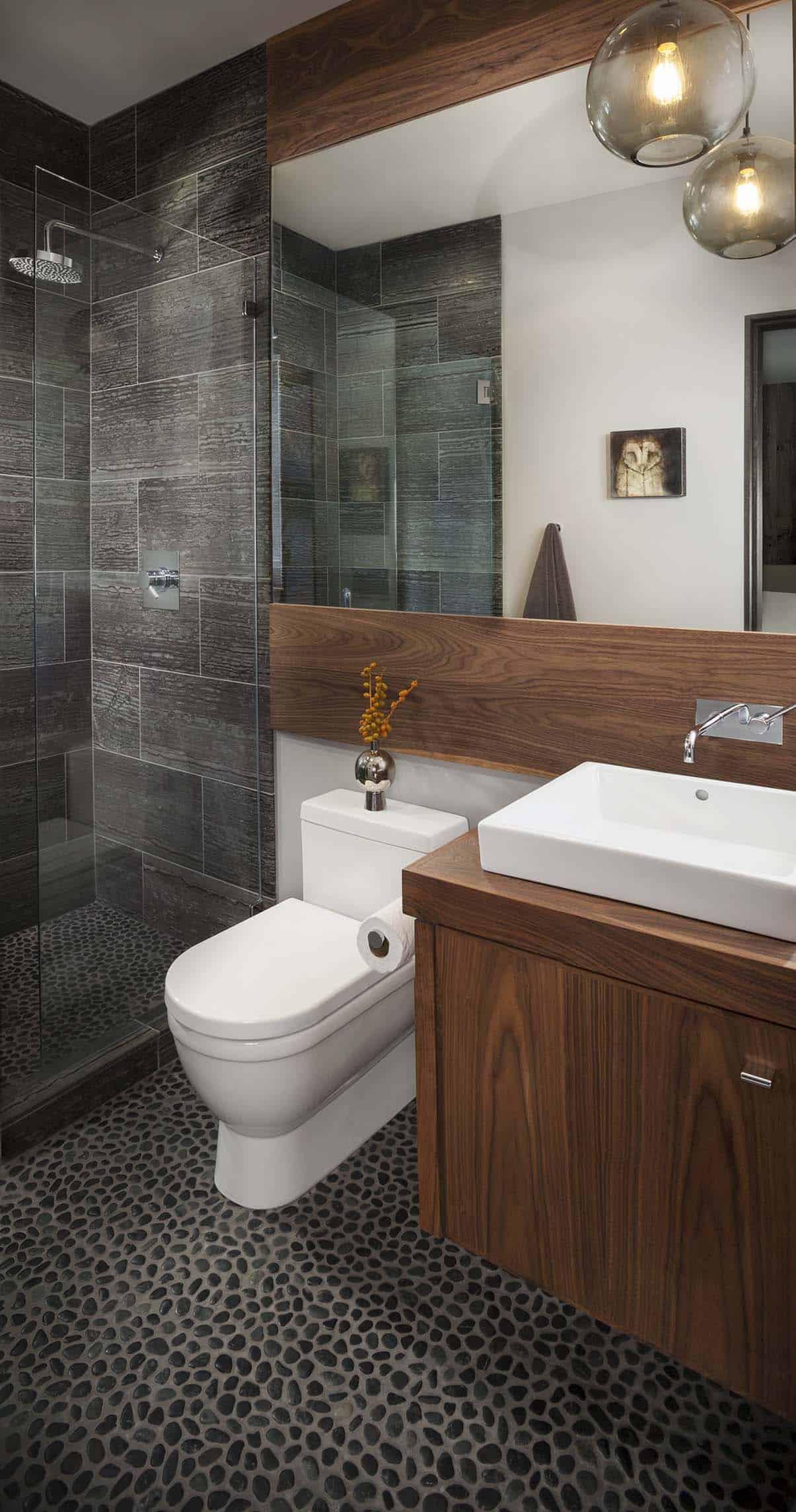 mountain-modern-retreat-bathroom