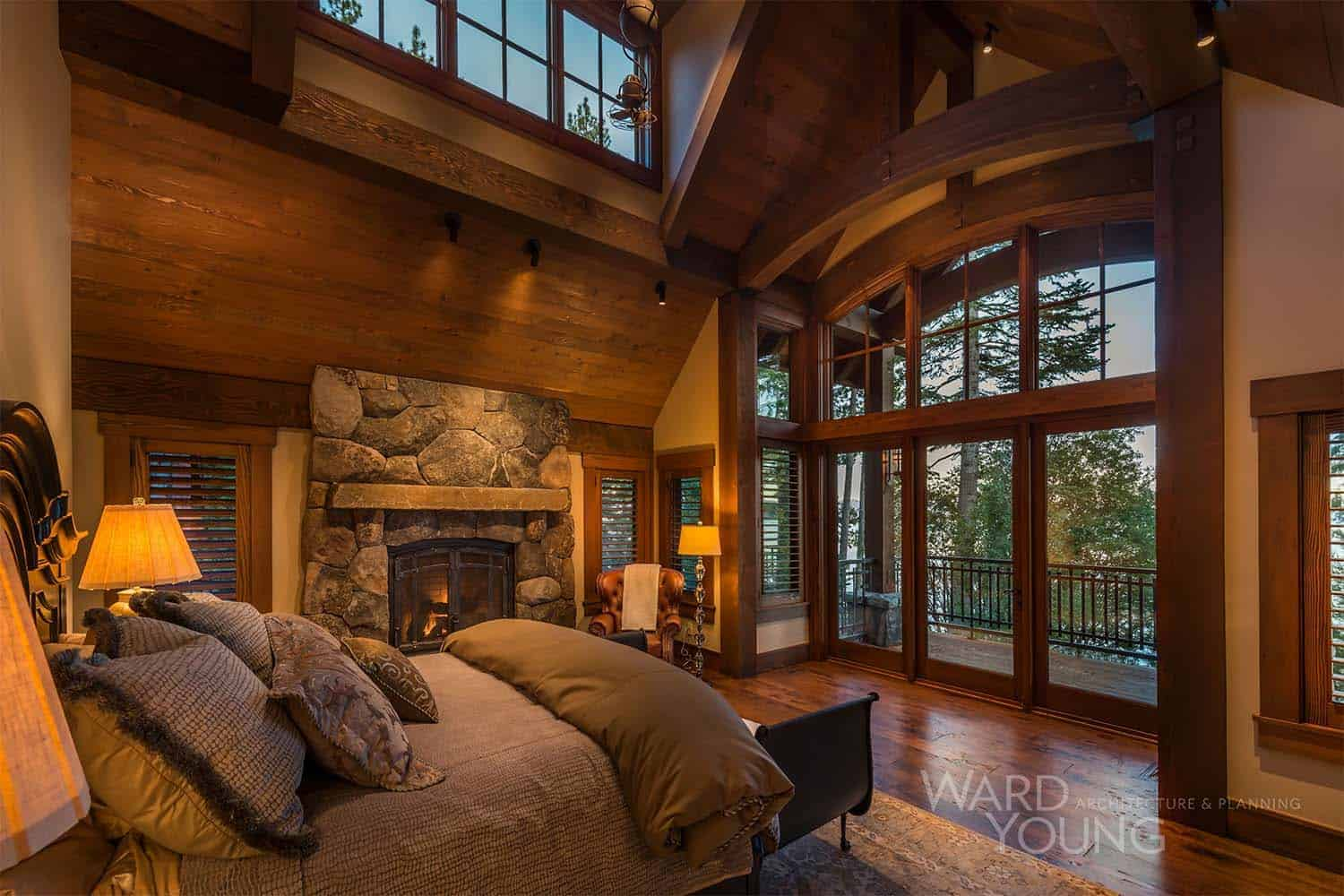 traditional-style-mountain-home-bedroom