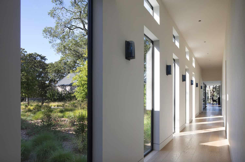 farmhouse-hall