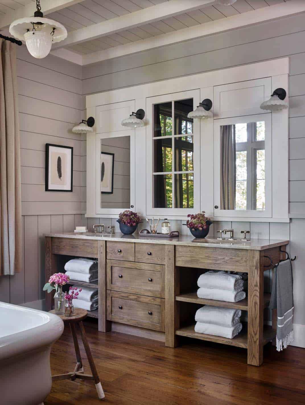 modern-rustic-lake-house-bathroom