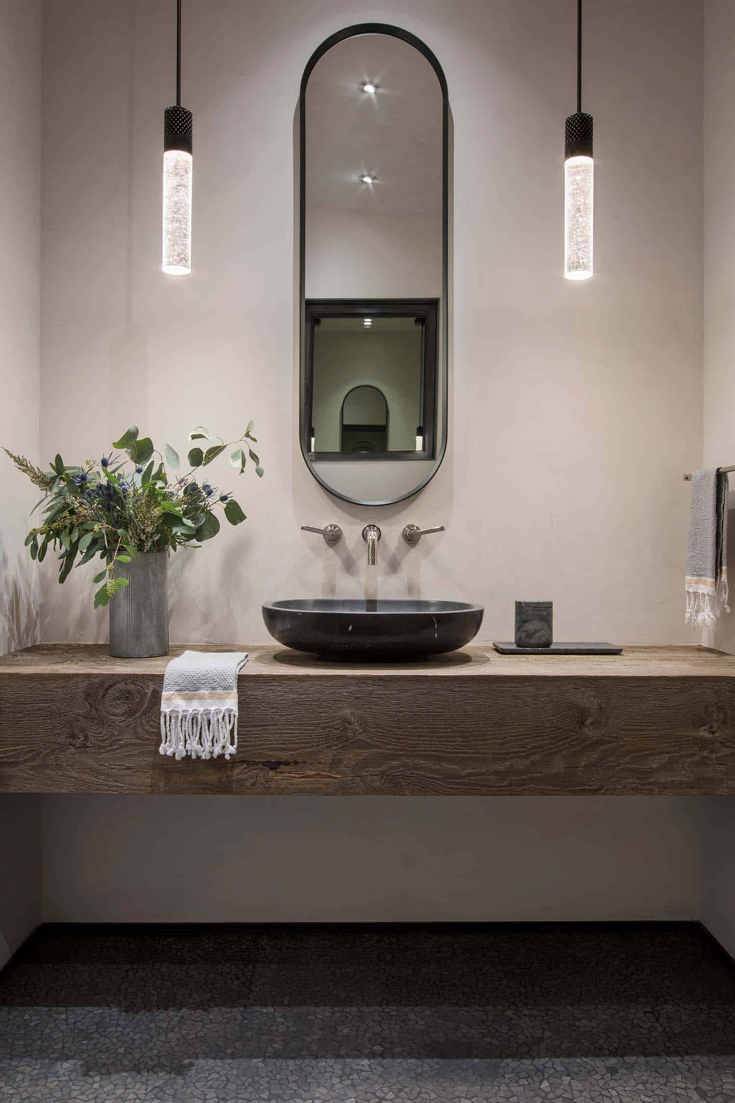 modern-ski-home-bathroom