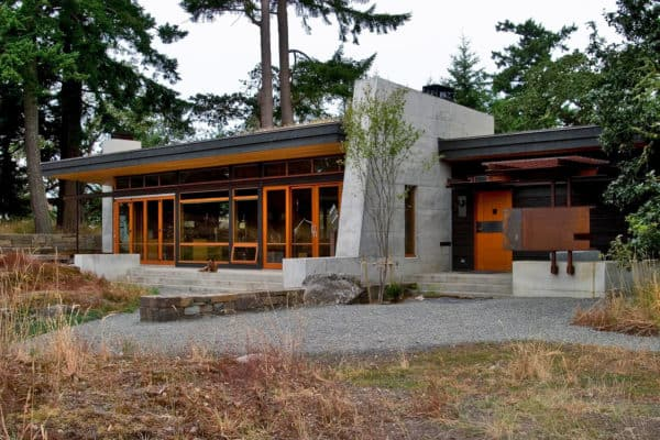 featured posts image for Sustainable retreat nestled atop a small mountain on San Juan Island