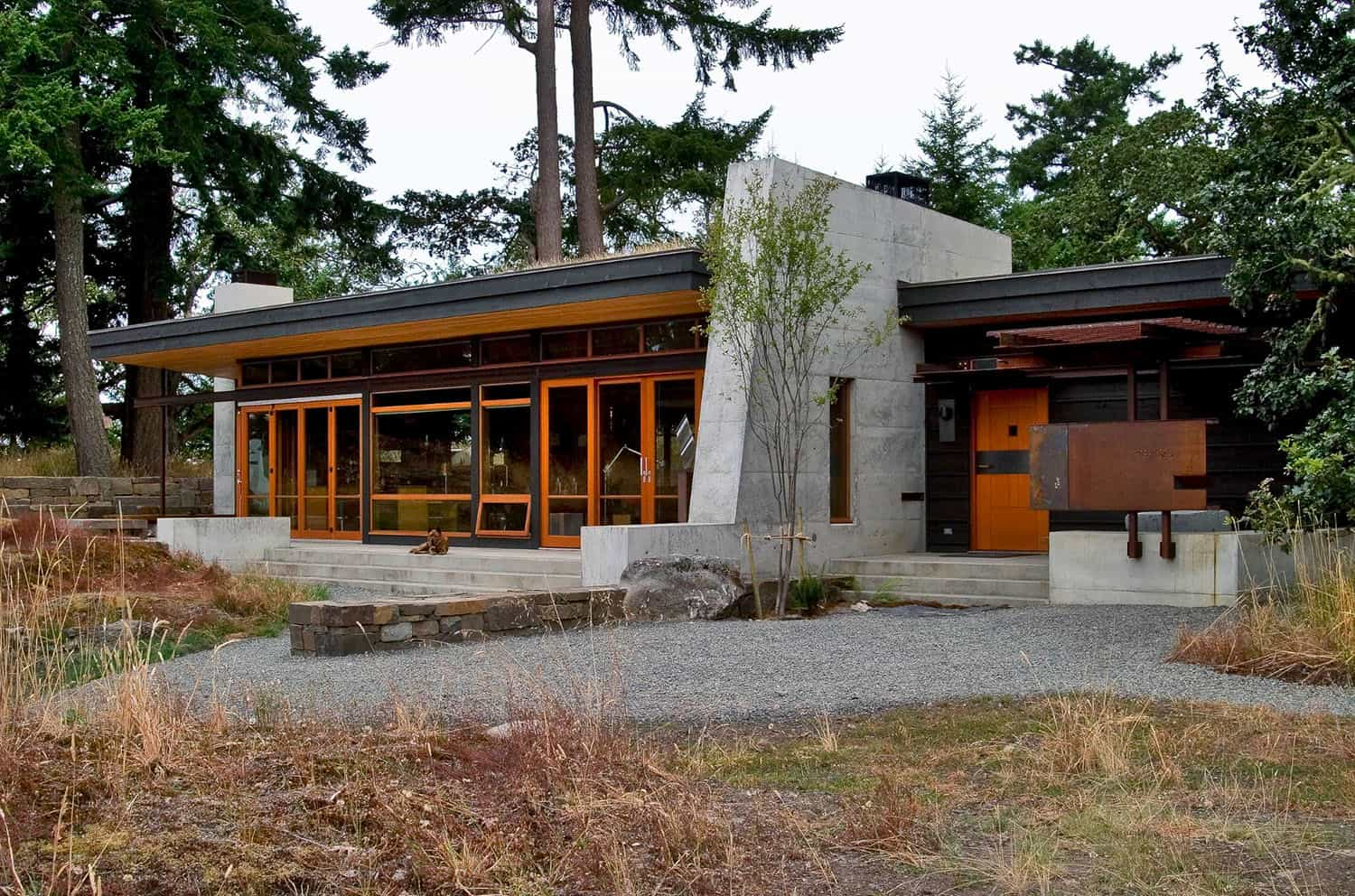 modern-sustainable-retreat-exterior