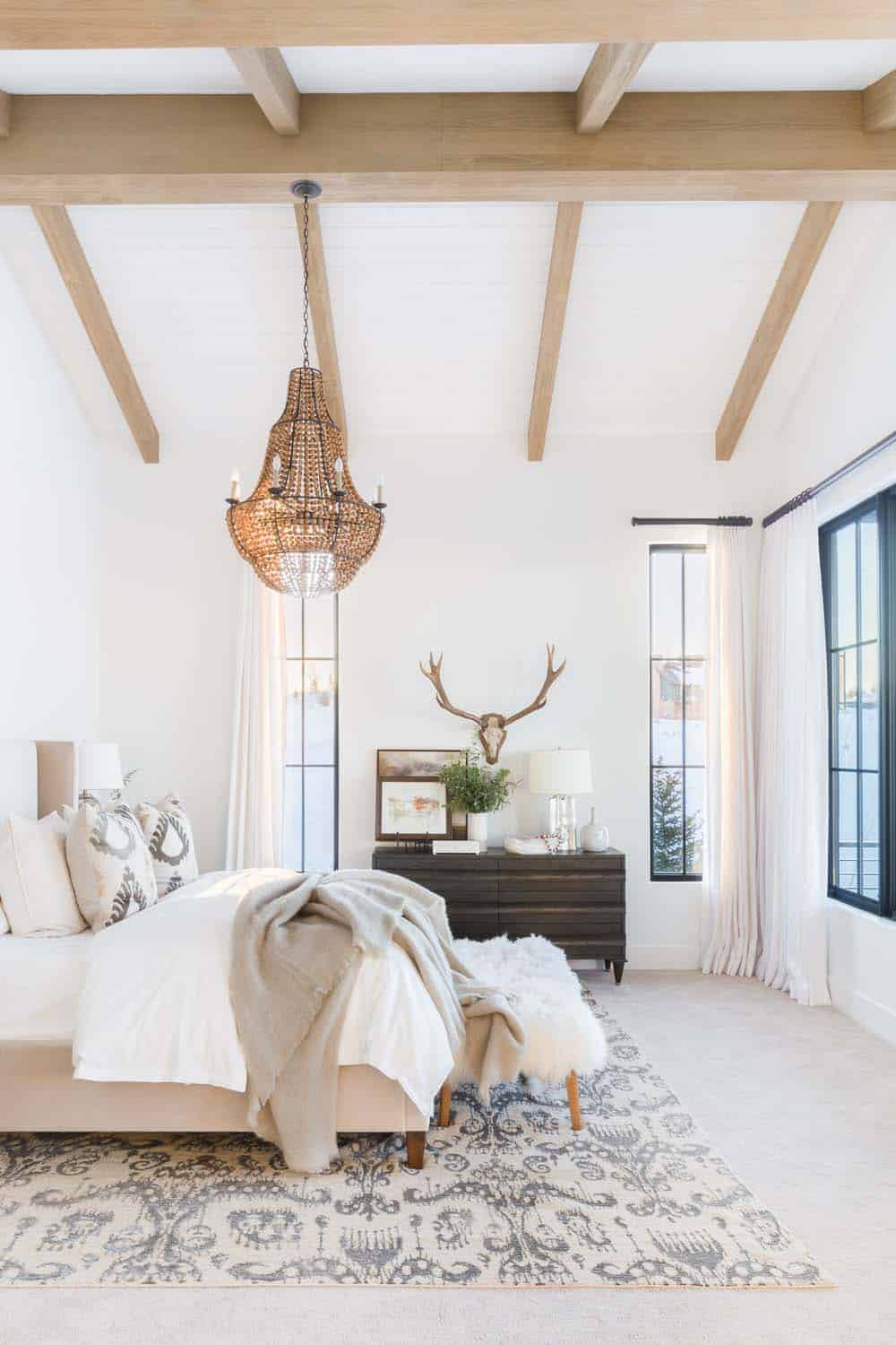 mountain-ranch-bedroom