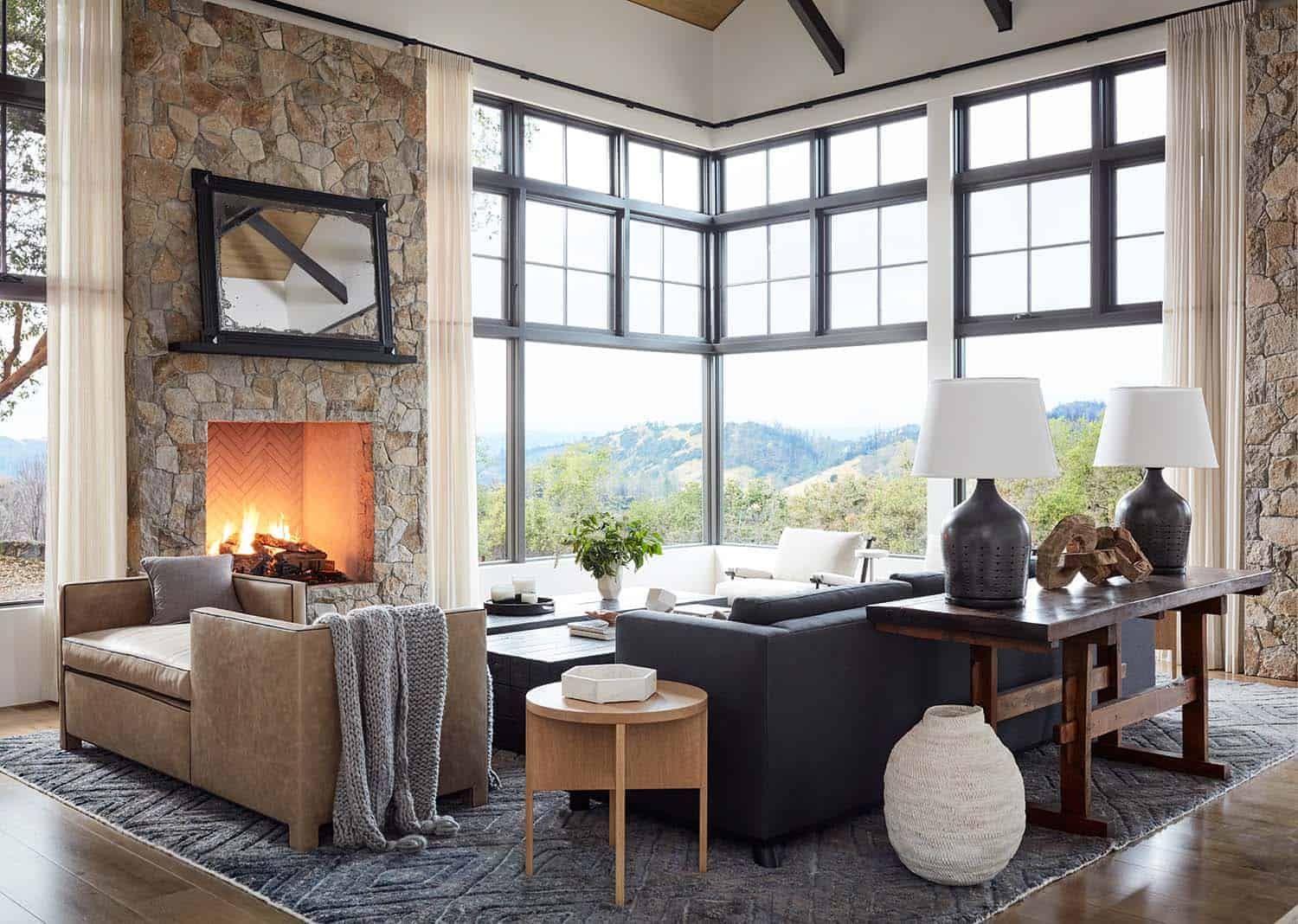mountain-home-ranch-living-room