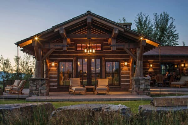 featured posts image for Mountain timber frame home in Montana offers a warm rustic feel