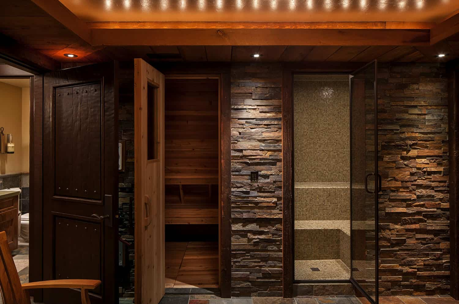 rustic-bathroom-steam-room-sauna