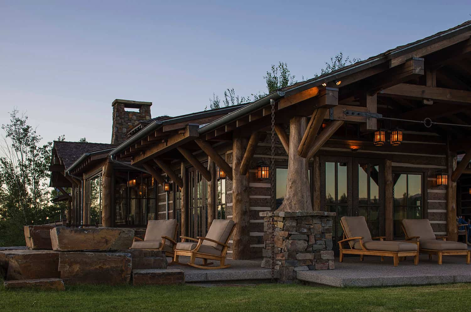 mountain-timber-frame-home-exterior