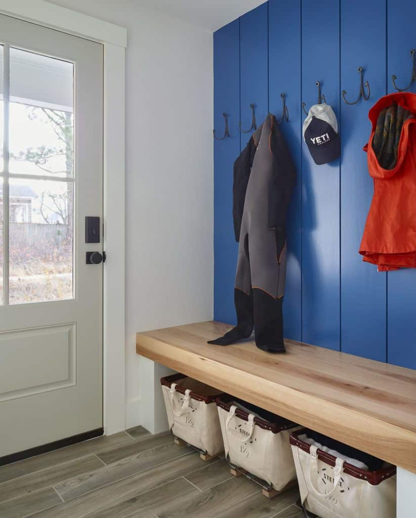 beach-house-mudroom