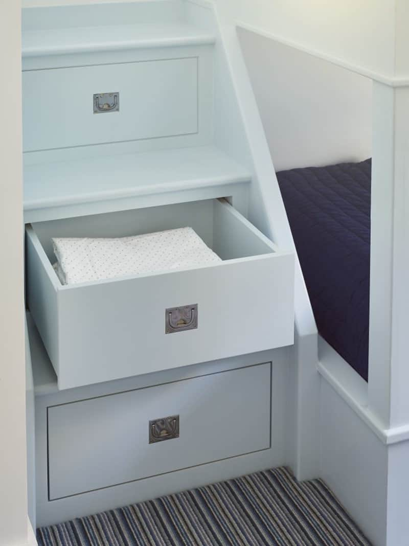 beach-house-kids-bunk-bedroom-built-in-storage