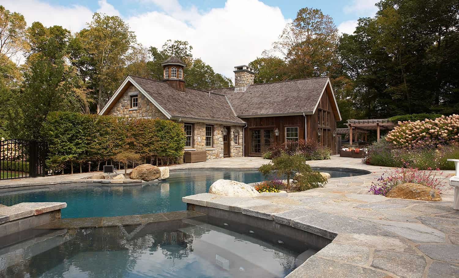 barn-farmhouse-pool