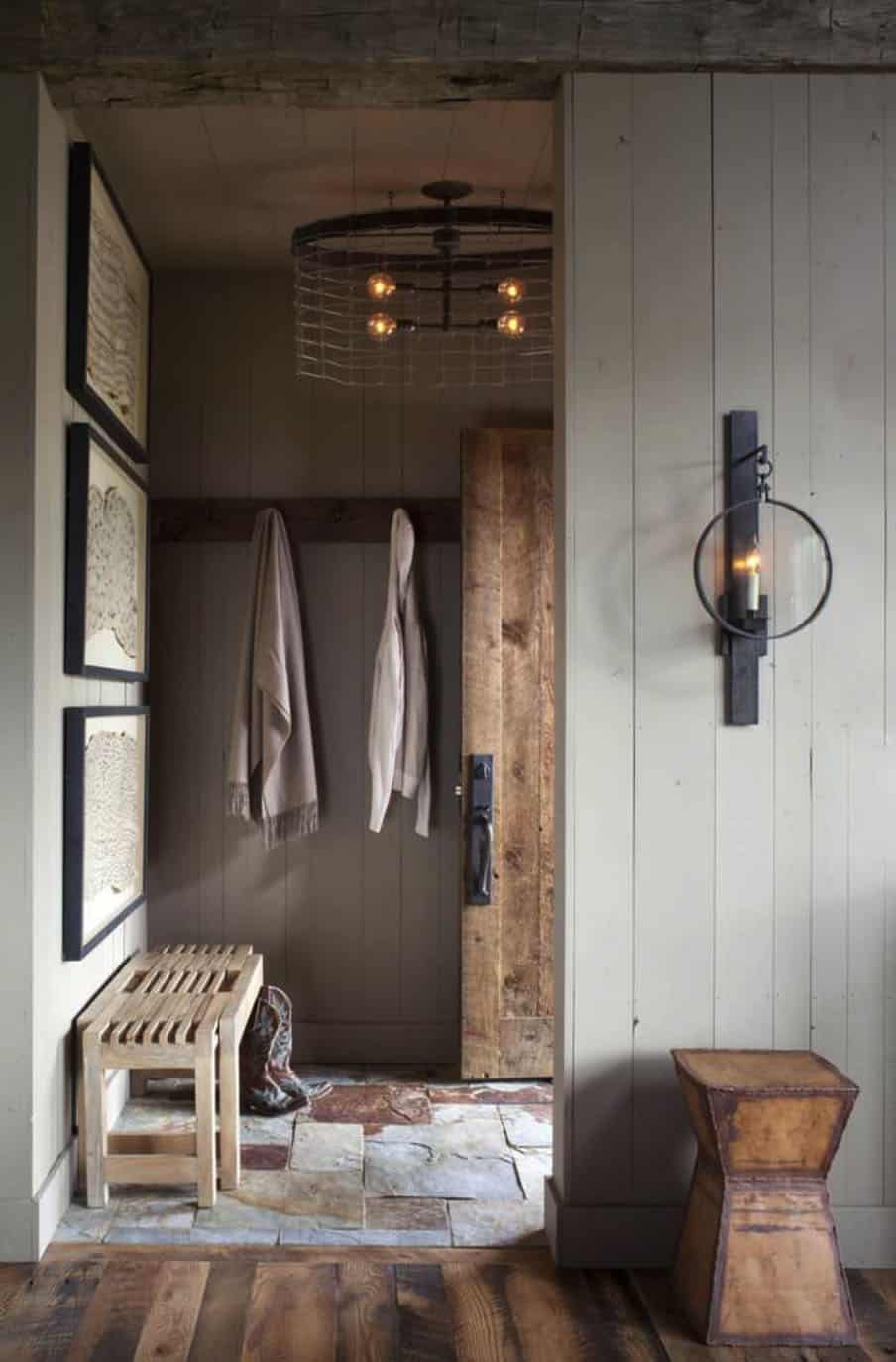 bunkhouse-rustic-entry