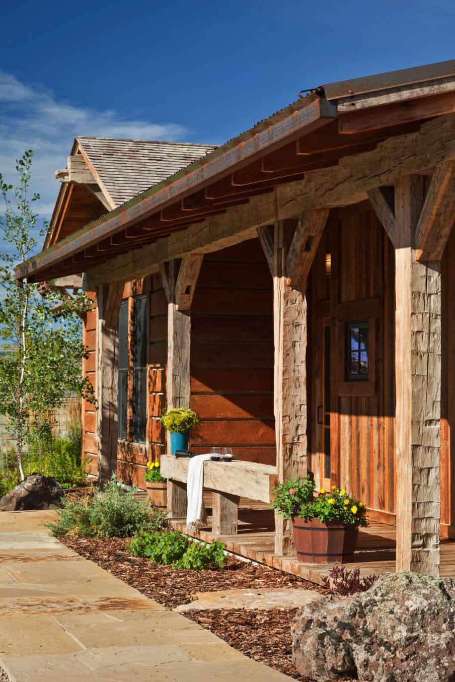 bunkhouse-rustic-exterior