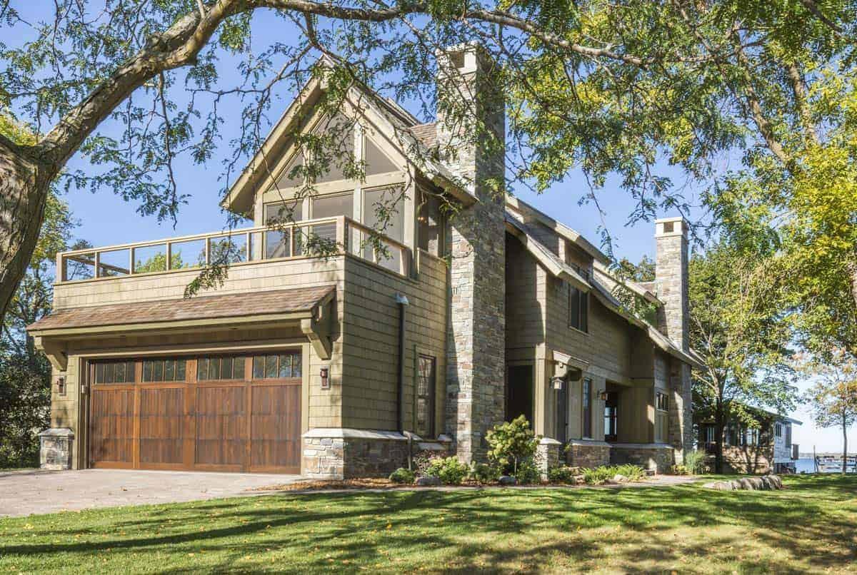 rustic-lake-home-exterior