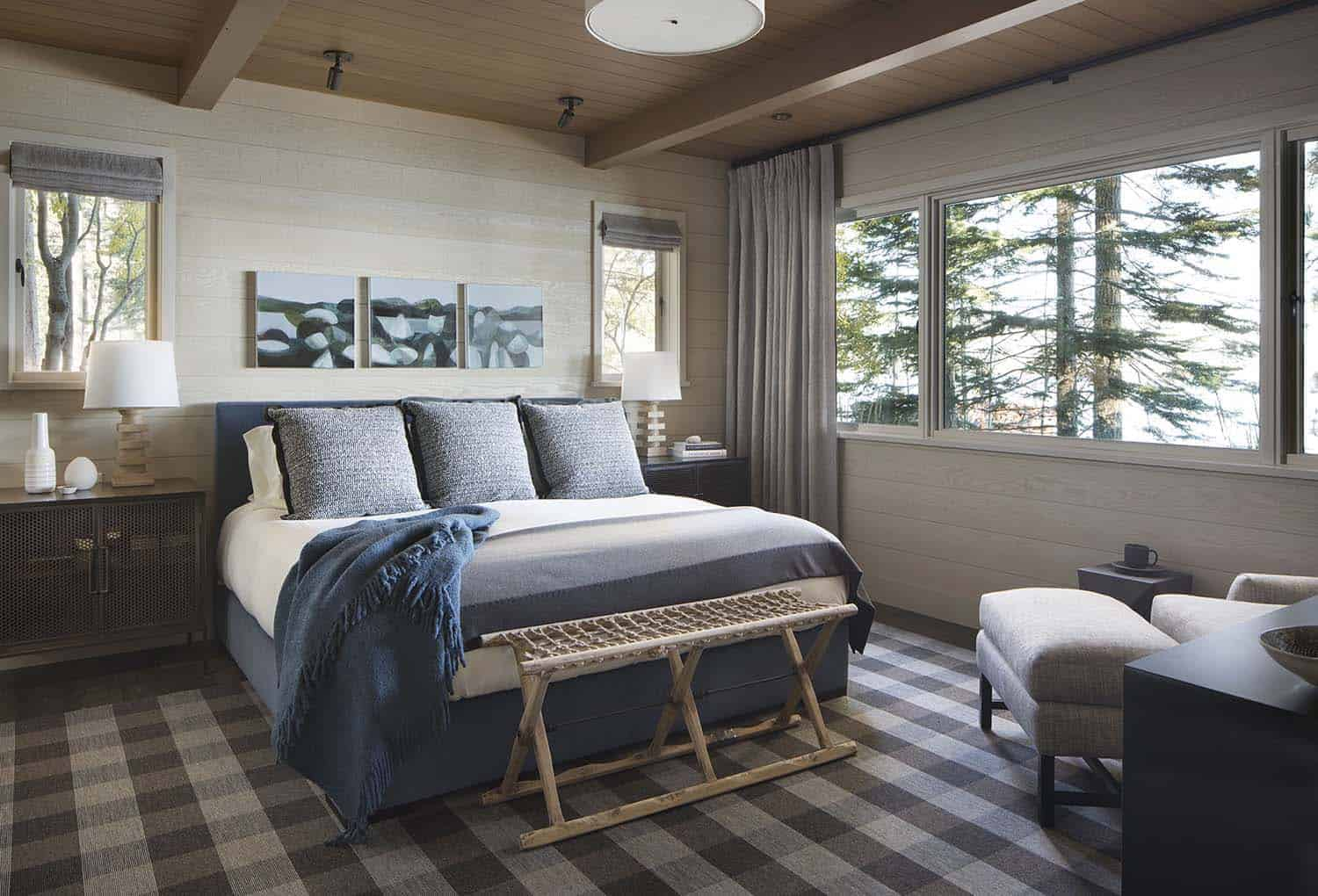 rustic-lake-house-bedroom