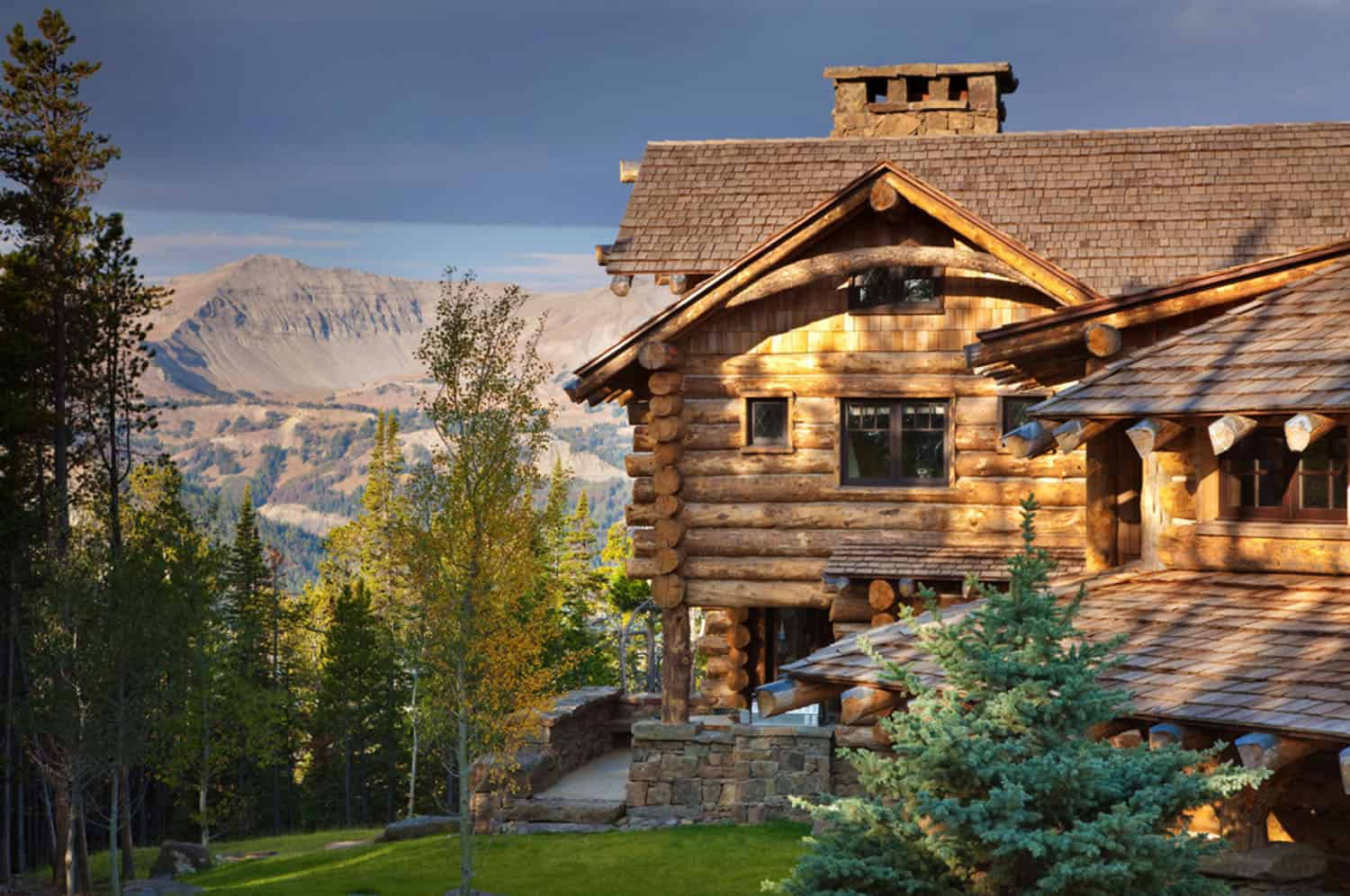 mountain-chic-cabin-rustic-exterior