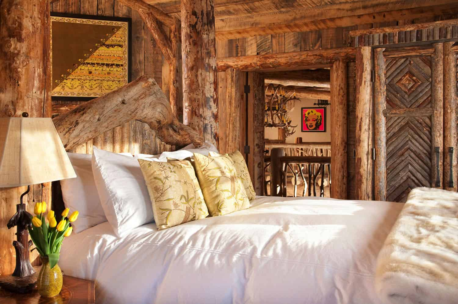 mountain-chic-cabin-rustic-bedroom