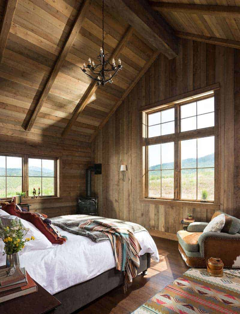 rustic-timber-frame-cabin-bedroom